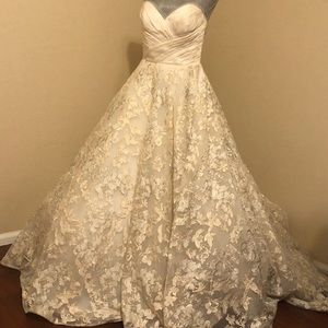 michael christopher shelby wedding gown